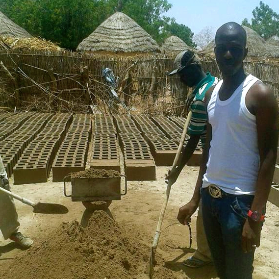 La construcció de l'escola ha començat!